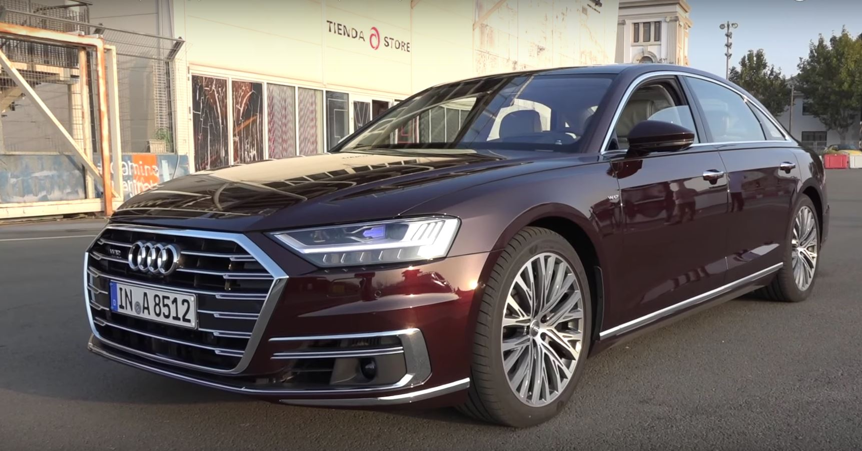 2018-audi-a8-w12-has-585-hp-but-it-doesn-t-sound-that-good-121643_1.jpg